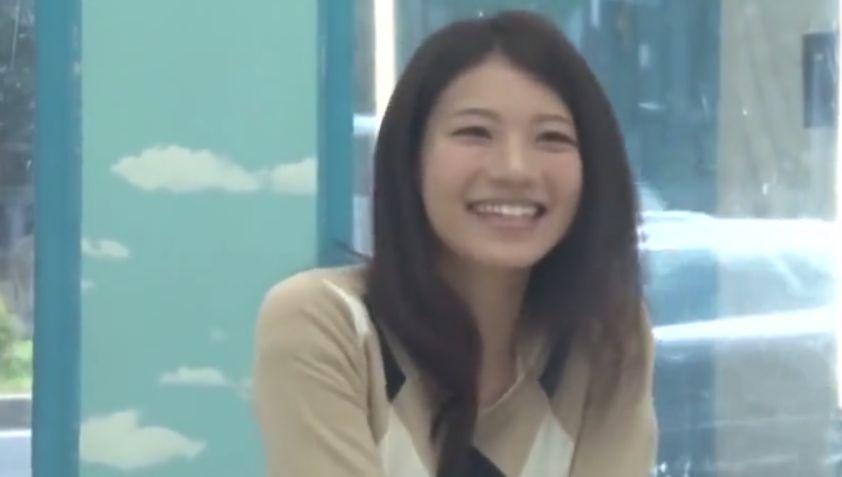 やっぱりダメ!榮倉奈々似の人妻をナンパ、罪を感じ拒みつつも挿入許す