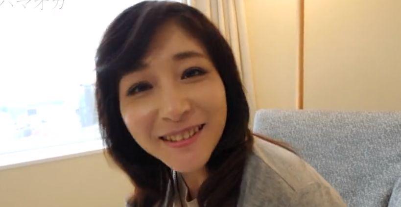 笑顔が可愛い48歳むっちり美魔女をナンパハメ。チンポ気持ちいい!